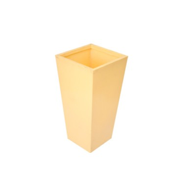 Piramidal Rotomoldeada de 40cm
